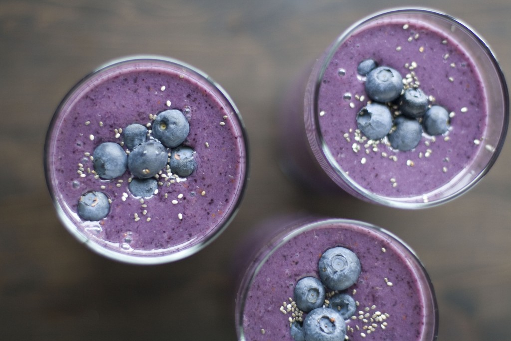 Blueberry Banana Smoothie with Spinach and Avocado